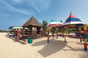 club_heliades_riu_funana_beach bar